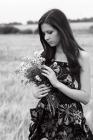 Девушка с цветами!