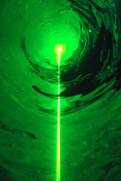 По зеленой струне
