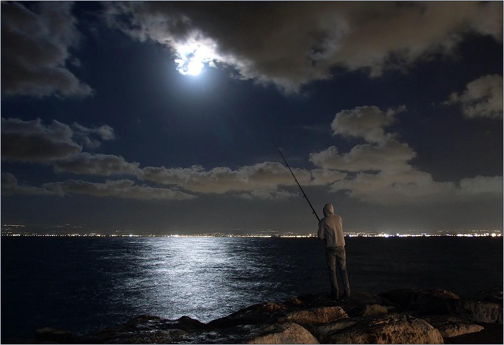 картина рыбак при луне