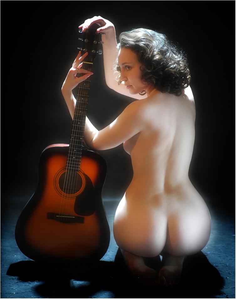 Гитара...